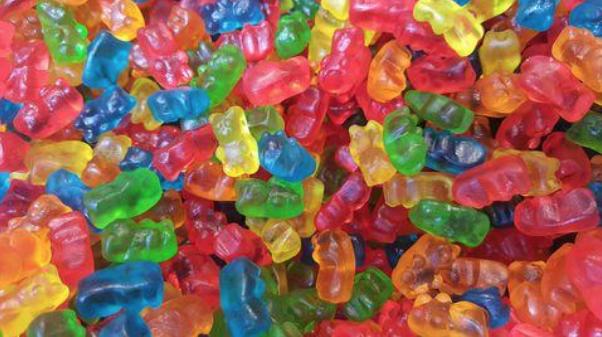 Gelatine wordt voornamelijk als bindmiddel gebruikt voor bijvoorbeeld gummy beertjes